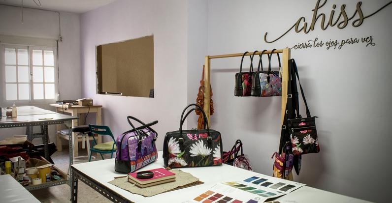 Fabrica de bolsos artesanales.